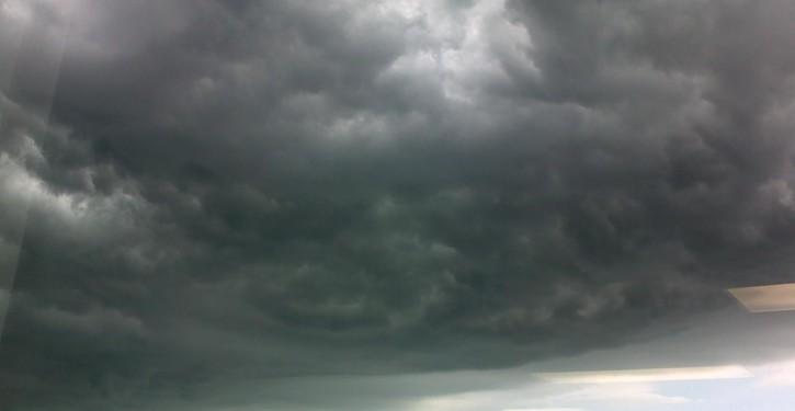 awan-badai